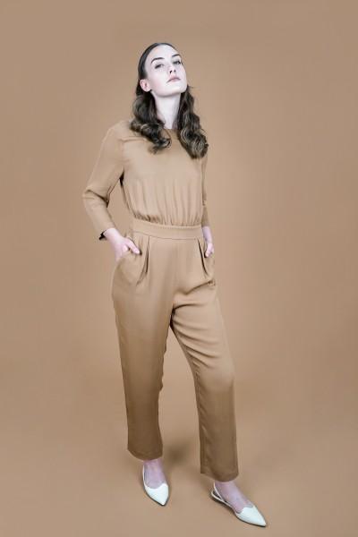 V-back jumpsuit camel brown