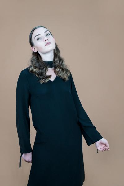 V-neck Kleid schwarz